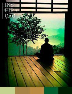"""OOOMMM…  """"OM"""" é a vibração primordial, o som do qual emana o Universo, a substância essencial que simboliza a manifestação de Deus.  Nada melhor do que o mantra dos mantras para nos servir de inspiração no meio da semanal, certo?  Ele é um grande purificador, que elimina a ansiedade e tensões, substituindo a inquietude da mente pela paz e alegria interior.  Como dizem os sábios indianos: """"a eficácia psicoterapêutica do OM é considerada sem limites"""".   Podemos começar? Ooommm…"""