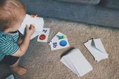 flashcards in envelopes fine motor activity for 12 18 month old t Activities For 1 Year Olds, Toddler Learning Activities, Motor Activities, Infant Activities, Sensory Activities, Baby Sensory, Sensory Bins, Sensory Play, Flashcards For Toddlers