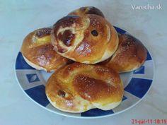 Briošky (fotorecept) Hamburger, Bread, Cook, Baking, Basket, Brot, Bakken, Burgers, Breads