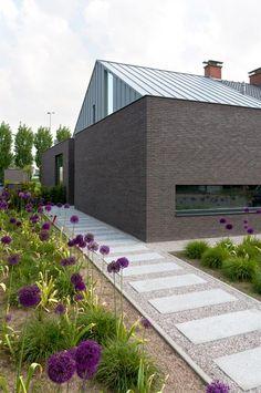 Producten gevelstenen linea7 7022 Modern Landscaping, Backyard Landscaping, Toronto Houses, Small Backyard Pools, Minimalist Garden, Garden Landscape Design, Patio, Yard Design, Terrace Garden