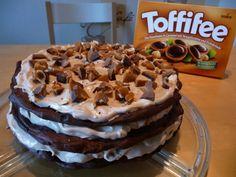 Kröne die schönste Toffifee Backidee!    I need your votes!!   Toffifee-Windbeutel-Torte.  Ich würde mich sehr über eure Stimmen freuen! Ihr dürft jeden Tag einmal abstimmen bis Mittwoch den 22.10.2014 11:59 . Vielen lieben Dank!!! <3