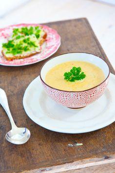 rotfruktssoppa (in swedish) Panna Cotta, Vegetarian Recipes, Tasty, Fruit, Ethnic Recipes, Dulce De Leche, Vegetable Dip Recipes