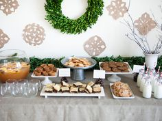 Inviting friends over for a midday cookie swap is a super-simple way to gather loved ones. Inviting friends over for a midday cookie swap is a super-simple way to gather loved ones. Herbed Potatoes, Rosemary Potatoes, Holiday Cookies, Holiday Treats, Holiday Fun, Cookie Buffet, Christmas Ham, Christmas 2016, Christmas Baking
