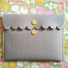Oh So Lovely Vintage: DIY Ipad case!