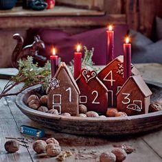 ▷ Make gingerbread house yourself: recipe - Franziska B. ▷ Lebkuchenhaus selber machen: Rezept ▷ Making a gingerbread house yourself: Recipe - [LIVING AT HOME] Christmas Quotes, Christmas Time, Christmas Crafts, Christmas Decorations, Xmas, Holiday, Diy Candles Easy, Unique Candles, Make A Gingerbread House