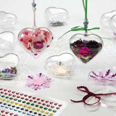 Clear Gift Ornaments -Brilliant idea for creating a personalised Valentines gift. Children will have fun decorating the outside and filling the inside with a tasty treat/a photograph or lovely sparkling sequins & shredded foil! Clear Christmas Ornaments, Christmas Gift Box, Valentine Crafts For Kids, Valentine Gifts, Clear Gift Boxes, Flower Decorations, Yummy Treats, Create, Holiday Ideas
