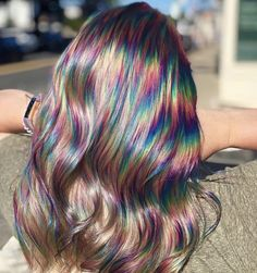 Oil Slick Hair Is The Perfect Hair Color Trend For Brunettes - Icon People - Ideas of Icon People - Brunettes get ready to hop on board with the newest hair trend! Oil slick hair was made with you in mind so colored hair is possible without bleaching. Exotic Hair Color, Cool Hair Color, Oil Slick Hair Color, Hair Color Ideas, Hair Dye Colors, Rainbow Hair Colors, Edgy Hair Colors, Rainbow Dyed Hair, Long Hairstyles