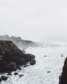 Where the sky meets the sea. Exploring a coastal access sign somewhere near Pidgeon Point.  #california_igers #beachbum #mytinyatlas #californialove #highway1