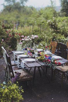 Outdoor Dining // Tablescape // Garden // Home Decor Wedding Table, Wedding Reception, Summer Wedding, Reception Food, Wedding Pergola, Backyard Weddings, Reception Ideas, Party Wedding, Garden Wedding