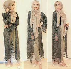 Hijab Lovely Nails lovely nails mobile al Islamic Fashion, Muslim Fashion, Modest Fashion, Fashion Outfits, Modest Wear, Modest Outfits, Modest Dresses, Mode Kimono, Hijab Trends