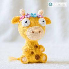 "Häkelanleitung für Giraffe Ellie aus der ""AradiyaToys Design""-Kollektion bei Makerist"