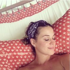 The singer Katy Perry traded her rainbow hair and wild makeup for fresh skin while on vacation.