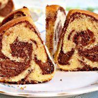 Recept : Bábovka s vaječným likérem a kakaem   ReceptyOnLine.cz - kuchařka, recepty a inspirace Sweet Cakes, French Toast, Food And Drink, Sweets, Cooking, Breakfast, Cupcake, Anna, Mascarpone