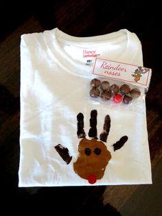 Handprint Reindeer t-shirt...a Thanksgiving party favorite  www.funwithprek.blogspot.com