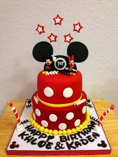 MAKE BOTTOM LAYER LIKE THIS - but reverse red and white. SO, 9 inch cake, yellow dots at bottom, white icing, with some red dots on side? OR just white 9 inch cake with yellow dots at bottom and red dots on top edge.