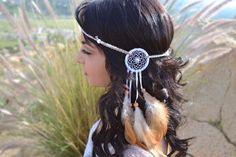 Unique White and Cream Dreamcatcher Feather Headband - Natural Feathers - Festival Rave Wear - Boho Wedding - Costume Accessories Dream Catcher White, Feather Dream Catcher, Indian Feathers, Feather Headband, Feather Headdress, Diy Headband, Headpiece, Native American Crafts, Hippie Costume