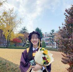 Korean Drama List, Korean Drama Stars, Korean Actresses, Korean Actors, Actors & Actresses, Teen Wallpaper, Lee Sung Kyung, Chaeyoung Twice, Future Photos
