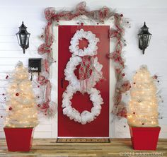 Use Deco Mesh to create a cheerful holiday house! Click here for more great ideas.
