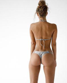 beach girl Beach Girls, Sexy Body, Grey Bikini, Bikini Tops, Thong Bikini, Fit Women Bodies, Spring, Dimples Of Venus, Cola