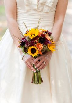 Bridal Bouquet | Featured Fiori: Sunflowers | Bunches & Blooms