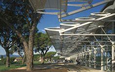 Dynamic brise soleil | Foster + Partners