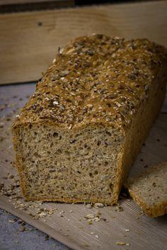 Yogurt Grain Bread Recipe ›Whispered Oven Beginner's bread. Yogurt Koernerbrot You are in the r Pinwheel Sandwiches, Gourmet Sandwiches, Healthy Sandwiches, Sandwiches For Lunch, Sandwich Recipes, Easy Donut Recipe, Donut Recipes, Baby Food Recipes, Bread Recipes
