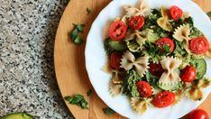 Zdrowy, szybki i dobry fit obiad? Nie ma problemu! [2 PRZEPISY] - Codziennie Fit Very Hungry, Pasta Salad, Pesto, Lunch Box, Food And Drink, Chicken, Ethnic Recipes, Impreza, Diet