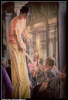 Palloncini - photographic processing (325) - elaborazione fotografica con la tecnica hdri di una immagine riguardante un venditore di palloncini ...
