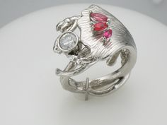 Micky Roof custom Ginkgo leaf ring in platinum with diamond and pink sapphires