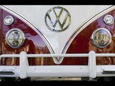 Na manhã do domingo, 28, das 9h às 12h, acontece na Caltabiano Volkswagen Pompeia o 2º Encontro de Colecionadores de Kombis que pretende reunir apaixonados pelo automóvel.