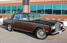 This RR is black over walnut.... rather than walnut over silver sand like the Iron Lady.