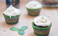 """""""car bomb"""" / Guinness Cupcakes for St. Mint Dark Chocolate, Mint Chocolate Chip Cookies, Chocolate Heaven, St Patricks Day Cupcake, St Patricks Day Food, Guinness Cupcakes, St Patrick's Day Cookies, Hot Chocolate Recipes, Parfait"""