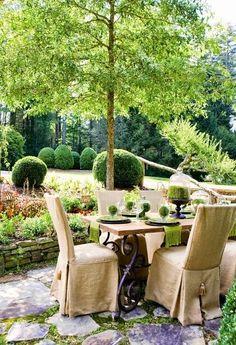 Green & White on the patio . outdoor al fresco dining in the garden Outdoor Rooms, Outdoor Dining, Outdoor Gardens, Outdoor Furniture Sets, Outdoor Decor, Patio Dining, Dining Area, Party Outdoor, Outdoor Tables