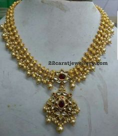 Necklaces Simple Gold Swirls Simple Necklaces in Antique Work - Latest Collection of best Indian Jewellery Designs. Gold Jewelry Simple, Simple Necklace, Necklace Set, Gold Necklace, Choker Necklaces, Diamond Necklaces, Short Necklace, Diamond Jewelry, Earrings