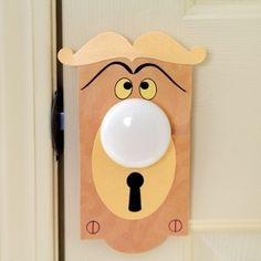 **How to make disney Talking doorknob!!!**