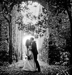 This is so romantic and so Lord of the Rings!!! Would love a photo like this!