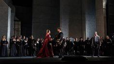 Jamie Barton returns to the Metropolitan Opera, bringing her celebrated Giovanna Seymour to the Met's Anna Bolena, alongside Sondra Radvanovsky.