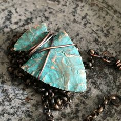 Turquoise Arrowhead Necklace - Knapped Arrow Head Wire Wrapped in Rustic Copper - Mens Boho Sagittarius Necklace Pendant Jewelry Armoire, Wire Jewelry, Jewelery, Unique Jewelry, Copper Necklace, Diy Necklace, Stone Wrapping, Jewelry Patterns, Arrow Head