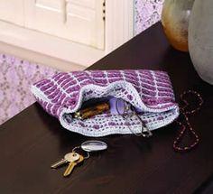 Interlocking Crochet technique for creating reversible fabric