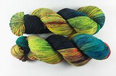 """Handgesponnen & -gefärbt - """"Nemesis"""" Trekking 6fach, 150g, handgefärbt - ein Designerstück von faserbunt bei DaWanda"""