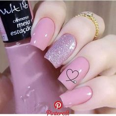 valentines day nails 20 inspiraes de Unhas Decoradas combinao Rosa e Cinza - Tendncia de Unhas decoradas, com o delicado do rosa e o moderno do cinza! Sparkle Nail Designs, Valentine's Day Nail Designs, Sparkle Nails, Nail Polish Designs, Fancy Nails, Pretty Nails, Gel Uv Nails, Pink Nails, Acrylic Nails