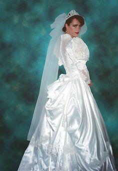 Tiffany I love this very beautiful wedding gown. I wish this was me in this very beautiful wedding gown like a very beautiful girl too.