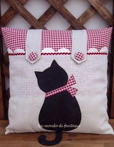 Ideas For Crochet Cat Pillow Cushion Covers Sewing Pillows, Diy Pillows, Decorative Pillows, Pillow Ideas, Cushion Ideas, Cat Cushion, Cushion Covers, Pillow Covers, Fabric Crafts