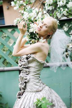 Дипломная работа Астаховой Натальи выпускницы Современной школы  Дипломная работа Астаховой Натальи выпускницы Современной школы Дизайна Дизайнерская коллекция свадебных платьев Белые птицы