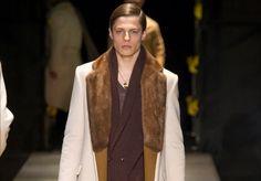 Collezione uomo Versace Autunno inverno 2015-2016 a Milano Moda Uomo : lusso e essenzialità Capi al top!