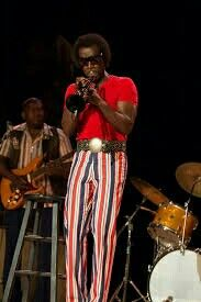 """""""Miles Ahead,"""" Don Cheadle's provocative biopic on the life and times of musical great Miles Davis, confirms what jazz lovers have known all along — that the legendary trumpeter and Folk Fashion, Vintage Fashion, Vintage Style, Acid Jazz, Herbie Hancock, Jazz Funk, Walter White, Miles Davis, Jazz Musicians"""