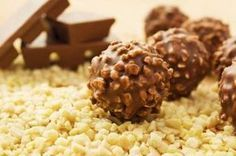 Chocolate Hazelnut Truffles Recipe - Learn how to make delicious, crunchy and creamy Hazelnut Truffles Nutella Balls for the Christmas celebration. Chocolate Hazelnut, Italian Chocolate, Chocolate Coating, Chocolate Lovers, Vegan Desserts, Delicious Desserts, Dessert Recipes, Chocolat Ferrero Rocher, Biscuits