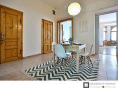 Home Staging nezařízeného bytu v Prahze #Praha #Prague #czech #homestaging #pred #po #before #after #white #walls #apartment #romantic #hall #cz #czechrepublic #dining #jídelna #hala #decoration #ukazkovydomov