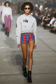 See the complete Tommy Hilfiger Spring 2017 Ready-to-Wear collection.Model: Wallette Watson