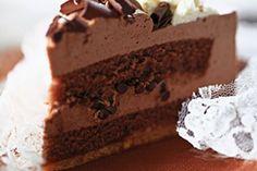 Villacher Torte Schokoladen torte mit Mürbeteigboden und Schokobisquit
